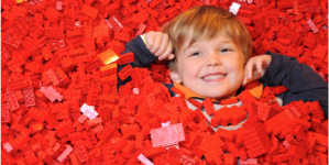 CHRISTMAS AT THE UK'S BIGGEST IMMERSIVE LEGO EXPERIENCE